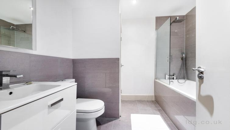 Bathroom at Theobalds Road Apartment - Citybase Apartments
