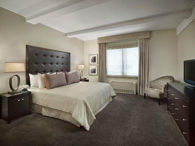 Bed at AKA Central Park, Midtown East, New York - Citybase Apartments