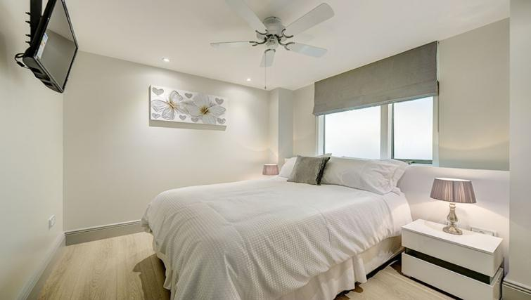 Bedroom at Maltings Place Apartments - Citybase Apartments