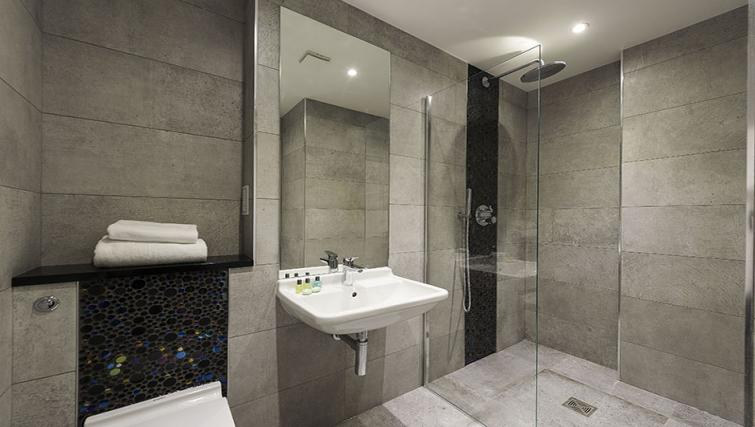 Sink at Maltings Place Apartments - Citybase Apartments