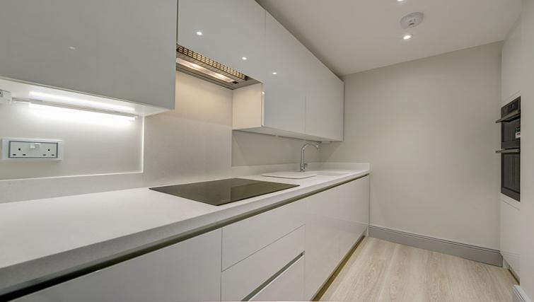 Equipped kitchen at Maltings Place Apartments - Citybase Apartments