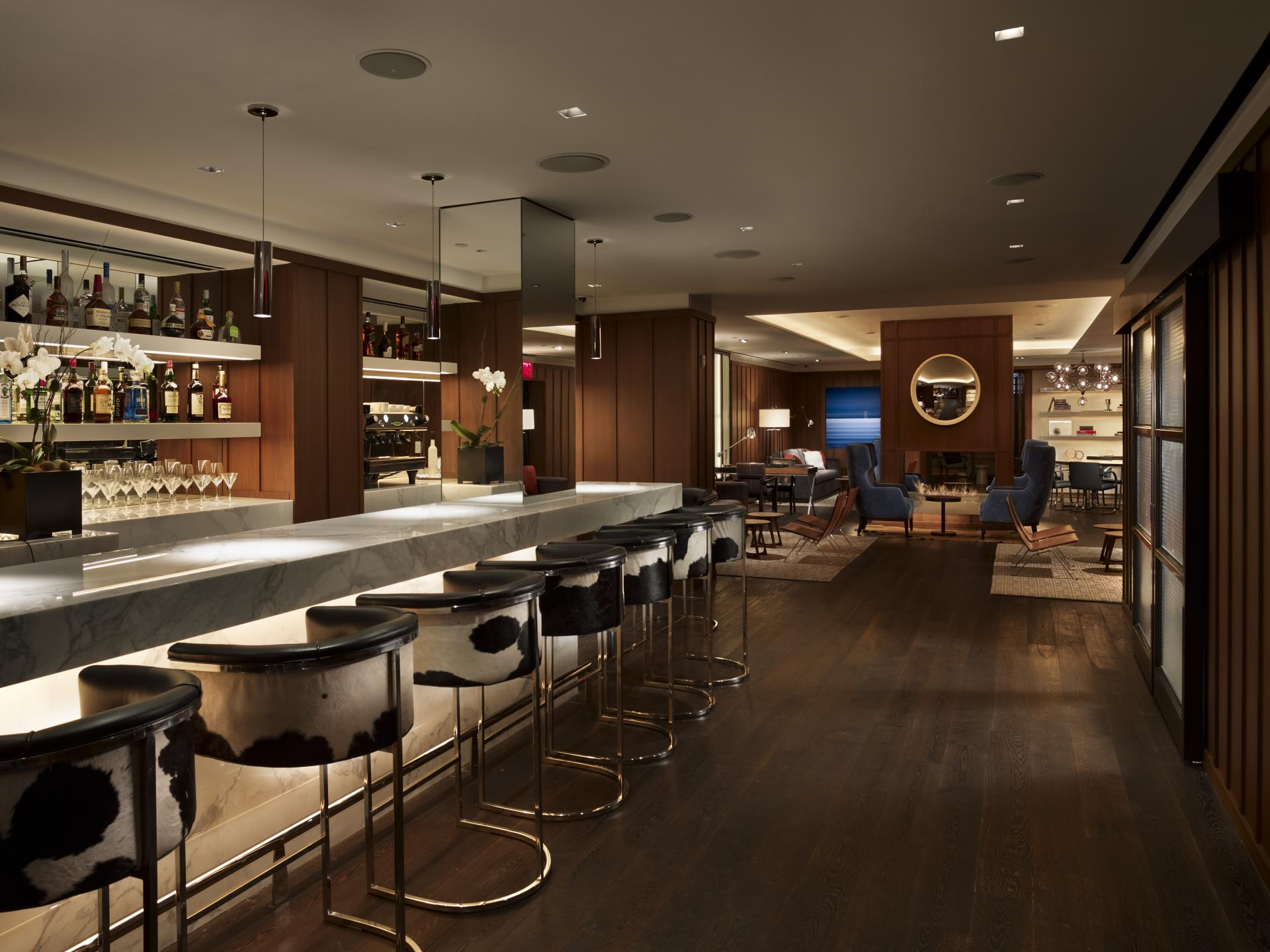 Bar at AKA Sutton Place, Midtown East, New York - Citybase Apartments