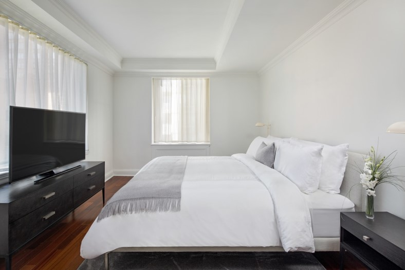 Bed at AKA Sutton Place, Midtown East, New York - Citybase Apartments