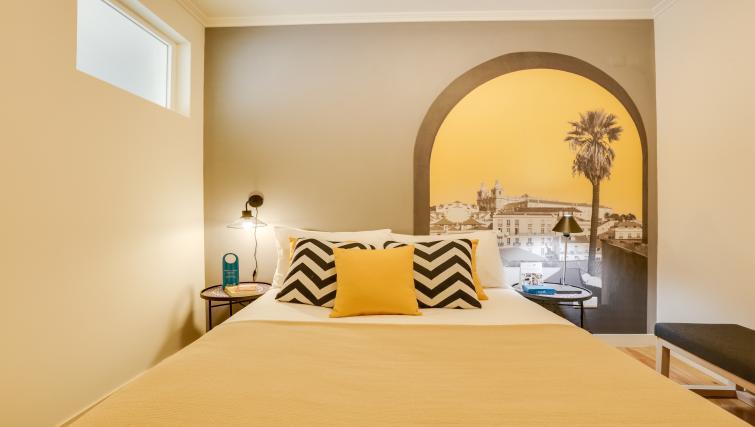 Bed at the Santa Marta Apartments - Citybase Apartments