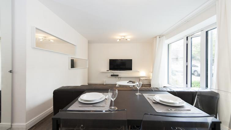 Dining table at Eastmoreland Court Serviced Apartment - Citybase Apartments