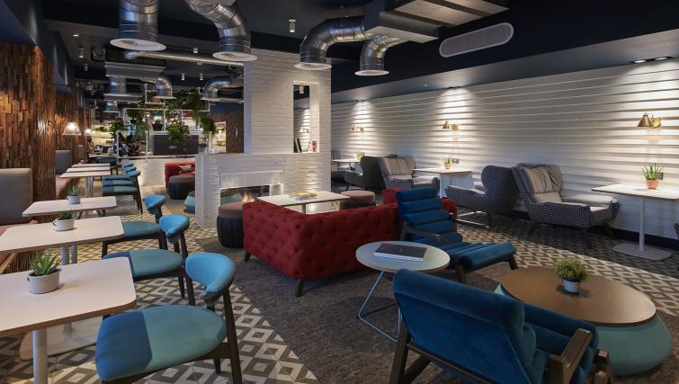 Lounge at room2 Southampton - Citybase Apartments