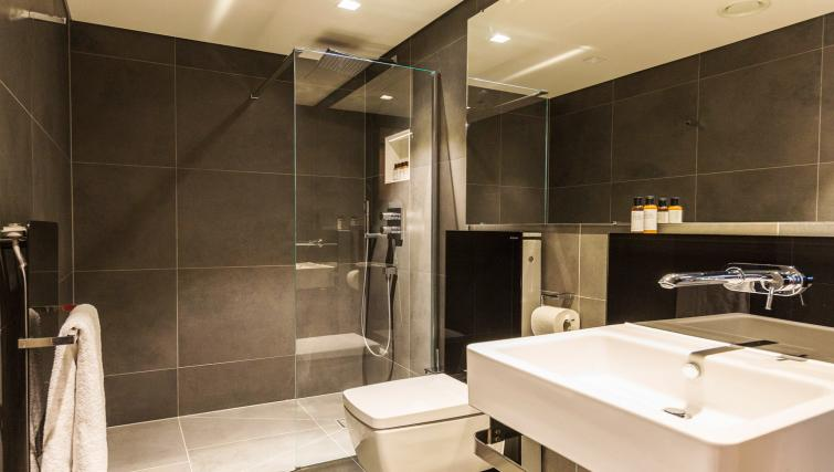 Modern bathroom at Native Bankside Apartments - Citybase Apartments