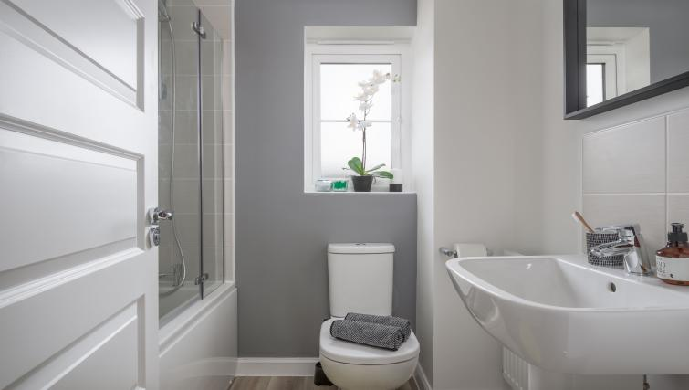Bathroom at Coventry Scandi House - Citybase Apartments