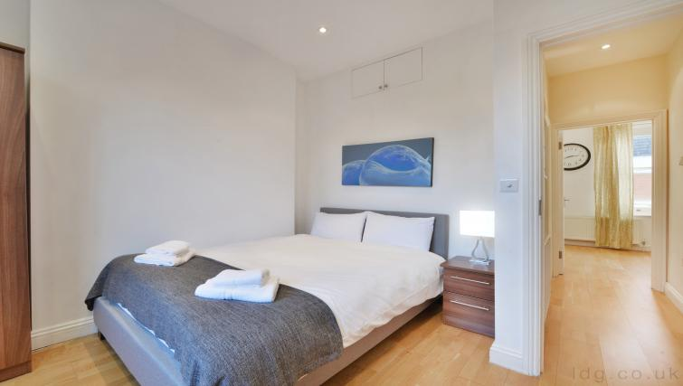 Double bed at Great Titchfield Street Apartment - Citybase Apartments