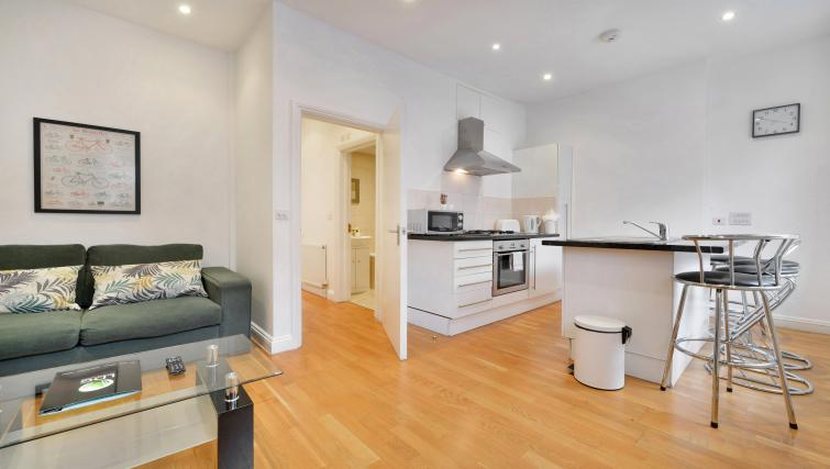 Modern kitchen facilities at Great Titchfield Street Apartment - Citybase Apartments
