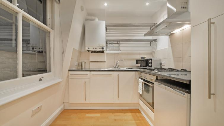 Clean kitchen at Great Titchfield Street Apartment - Citybase Apartments