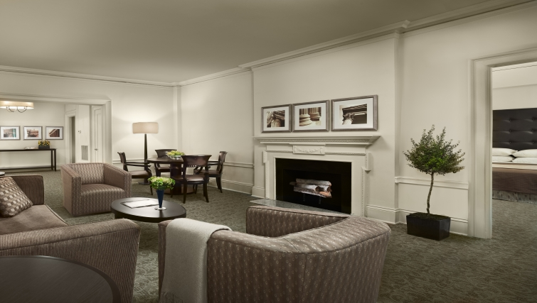 Living area at AKA Rittenhouse Square - Citybase Apartments