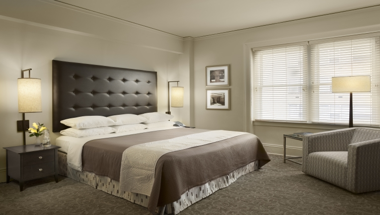 Bedroom at AKA Rittenhouse Square - Citybase Apartments
