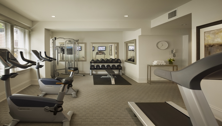 Gym at AKA Rittenhouse Square - Citybase Apartments