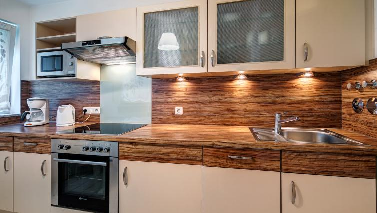 Bright kitchen in Viktorias Apartment - Citybase Apartments