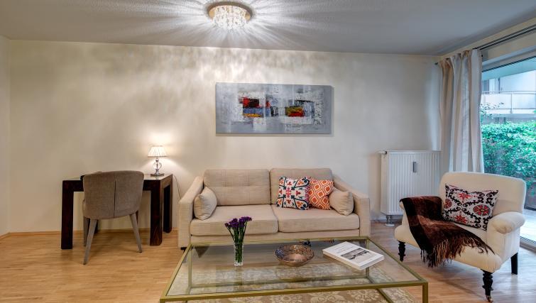 Bright living area in Viktorias Apartment - Citybase Apartments