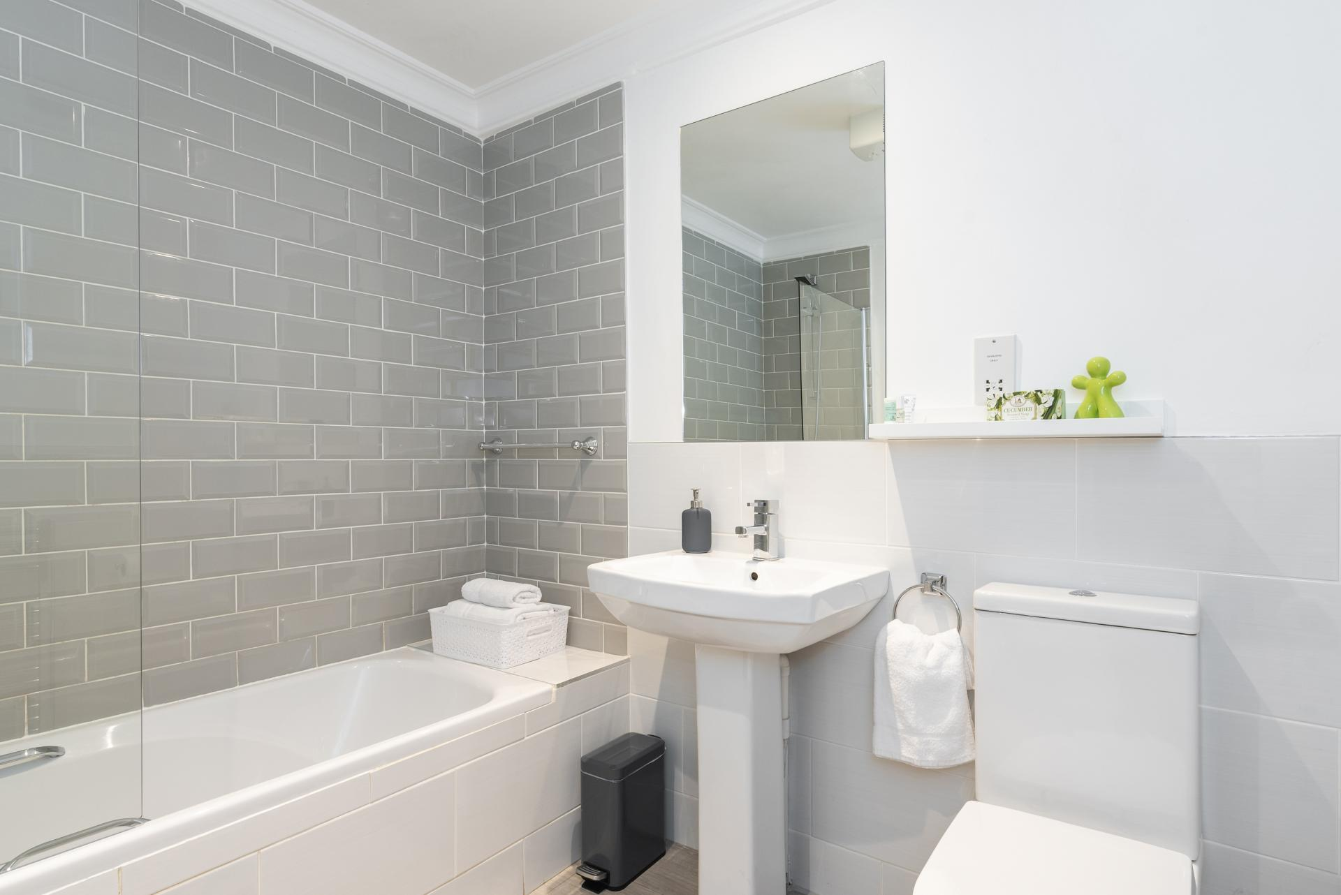 Bathroom at Suesey Place Apartments, Ballsbridge, Dublin - Citybase Apartments