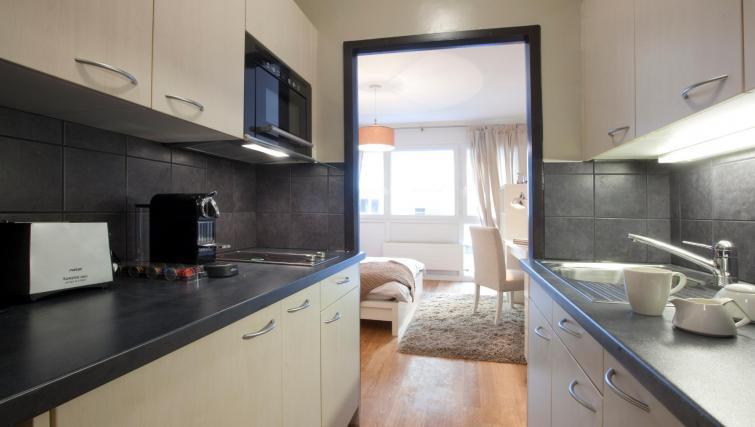 Kitchen at Goetz Monin Apartments - Citybase Apartments