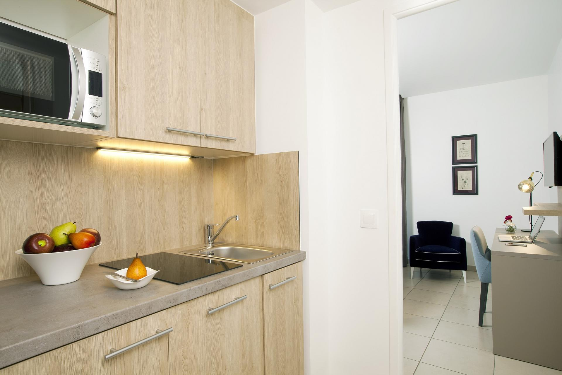 Kitchen at Residhome Bordeaux - Citybase Apartments