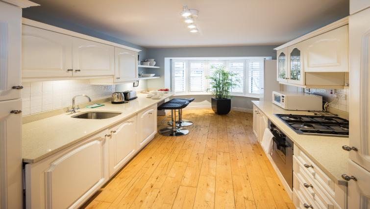 Kitchen at Ballsbridge Woods Apartment - Citybase Apartments