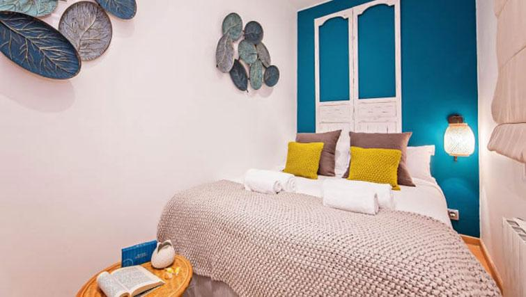 Modern bedroom at Vicky Barcelona Apartment - Citybase Apartments
