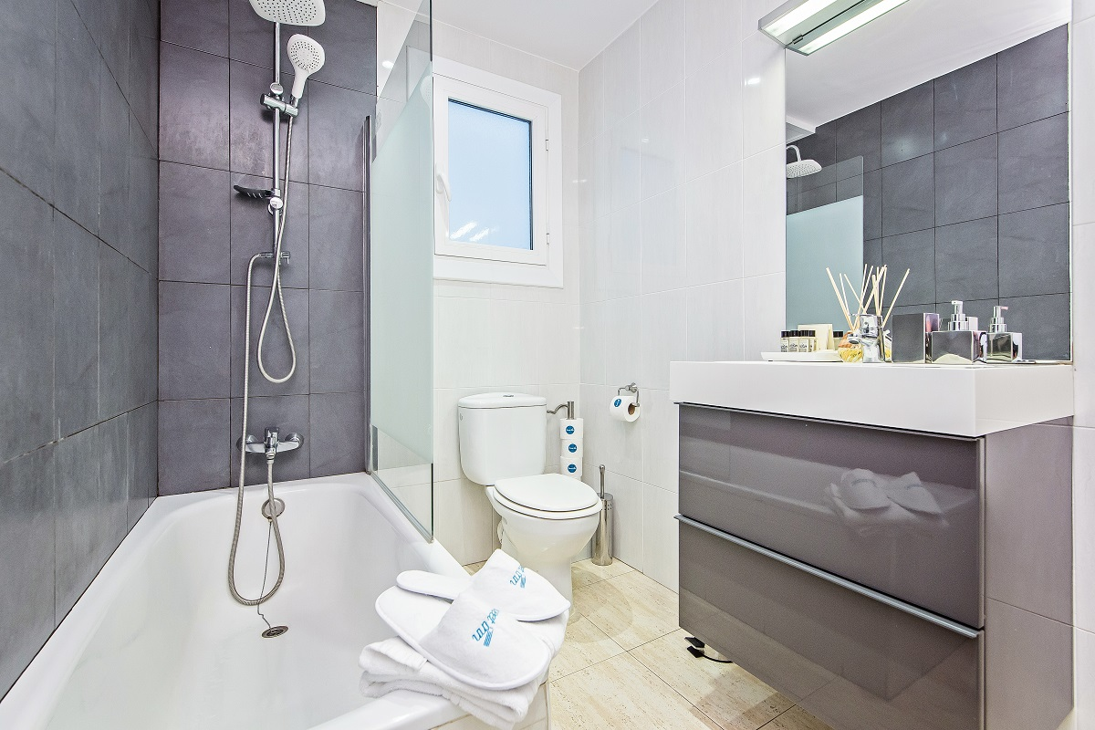 Bathroom at Diagonal Fransesc Macia Apartment - Citybase Apartments