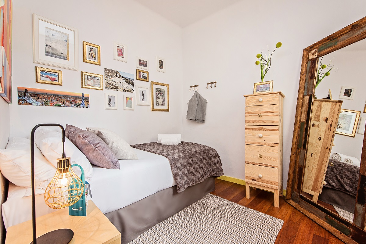 Bed at Diagonal Fransesc Macia Apartment - Citybase Apartments
