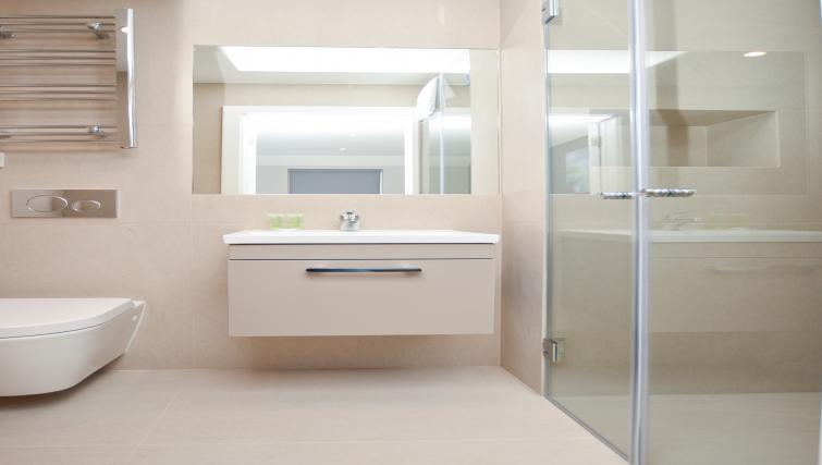 Bathroom at Warren Street Serviced Apartment - Citybase Apartments
