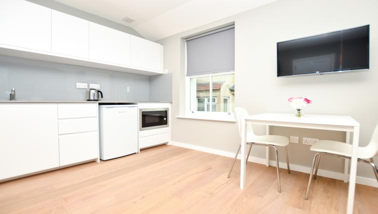 TV at Warren Street Serviced Apartment - Citybase Apartments