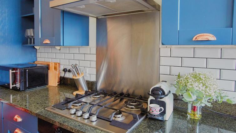 Stove at Raleigh Square Serviced Apartment - Citybase Apartments