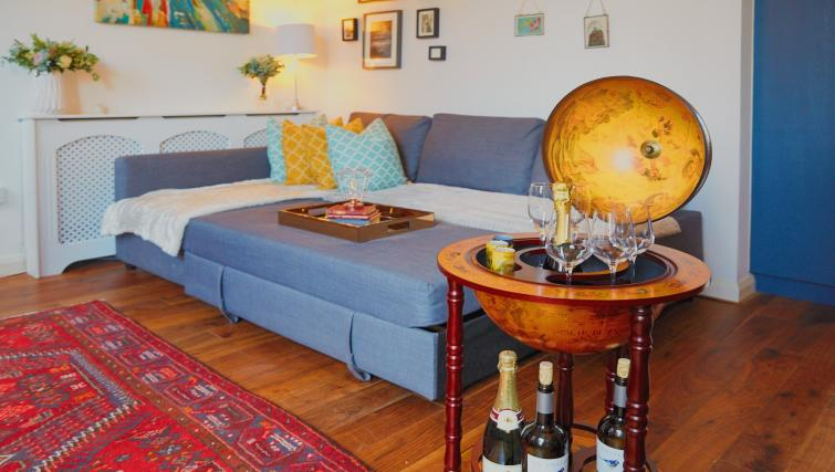 Sofa at Raleigh Square Serviced Apartment - Citybase Apartments