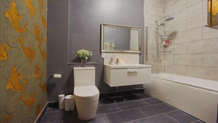 Bathroom at Raleigh Square Serviced Apartment - Citybase Apartments