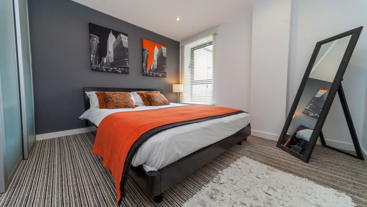 Modern bedroom at West One Apartments - Citybase Apartments