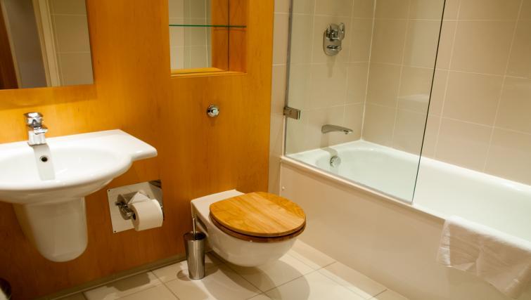 Bathroom at Clarendon Pepys Street - Citybase Apartments