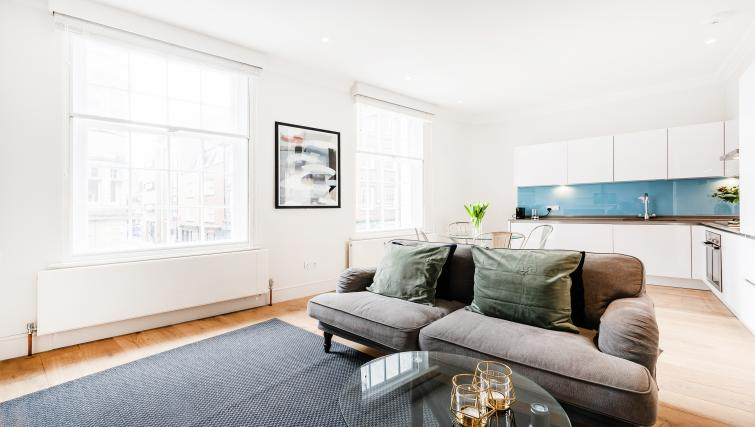 Bright apartment at Wardour Street Apartments - Citybase Apartments
