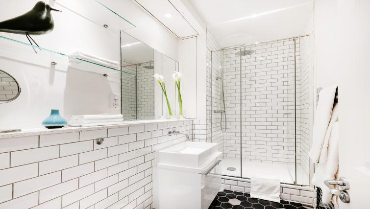 Bathroom at Wardour Street Apartments - Citybase Apartments