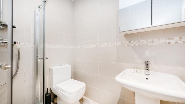 WC at the Kentish Town Apartment - Citybase Apartments