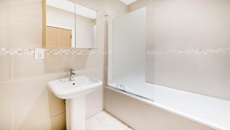 Bathroom at the Kentish Town Apartment - Citybase Apartments
