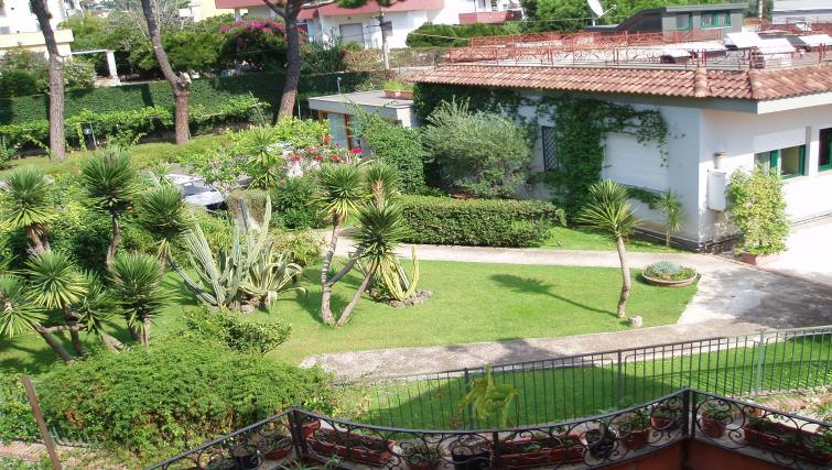 Gardens at Miramare Residence - Citybase Apartments