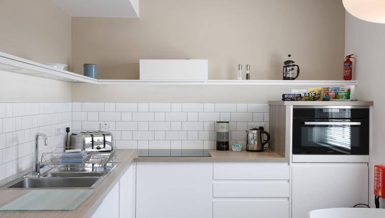Modern kitchen at Devonshire Road Apartments - Citybase Apartments