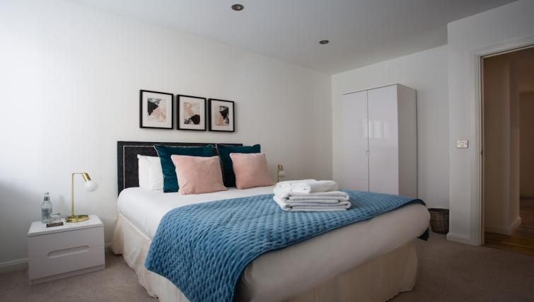 Modern bedding at Flying Butler Croydon Apartments - Citybase Apartments