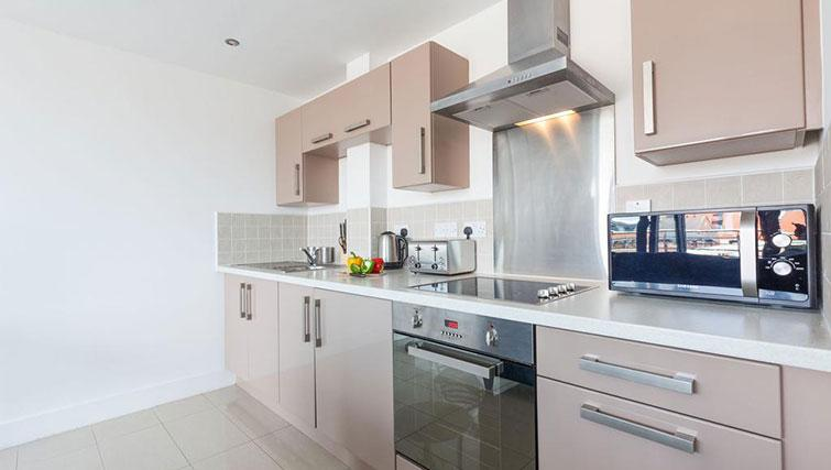 Kitchen facilities at KSpace @ The Point Apartments - Citybase Apartments