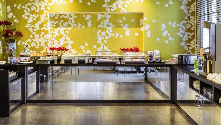 Breakfast at Hipark by Adagio Val D Europe - Citybase Apartments