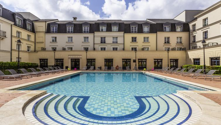 Pool at Hipark by Adagio Val D Europe - Citybase Apartments