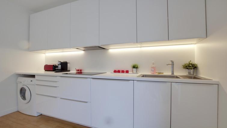 Kitchen at the Leonard de Vinci Apartment - Citybase Apartments