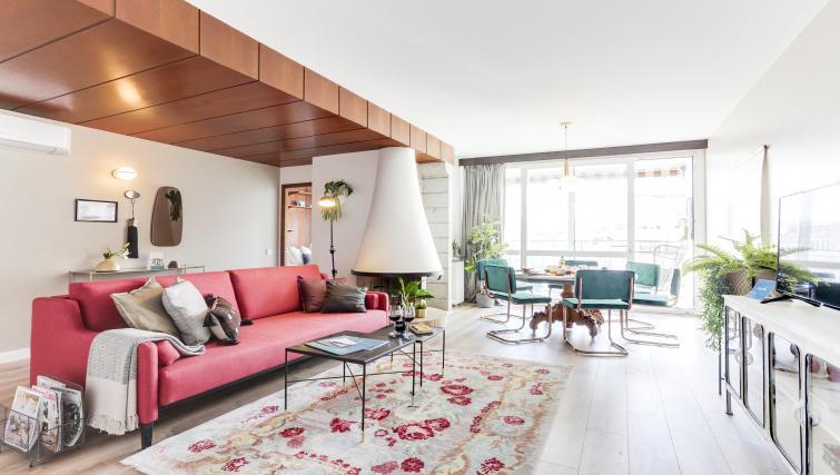 Living room at Eixample Borrell Apartment - Citybase Apartments