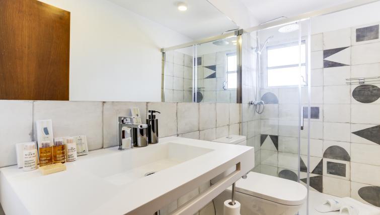 Bathroom at Eixample Borrell Apartment - Citybase Apartments