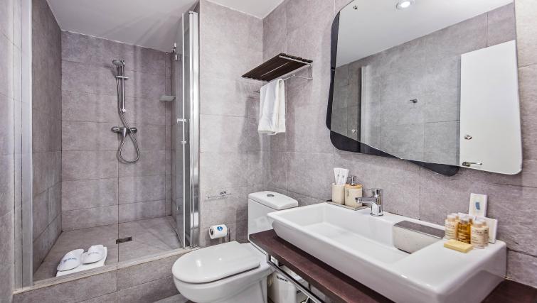Bathroom at Plaza Espana Fira Apartment - Citybase Apartments