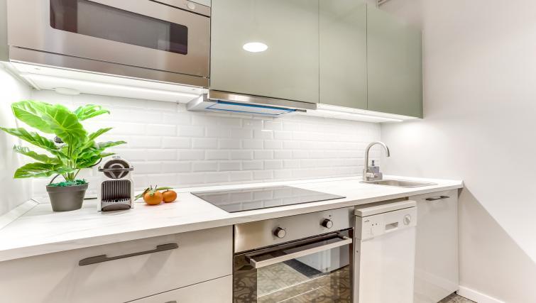 Kitchen at Aragon Apartment - Citybase Apartments