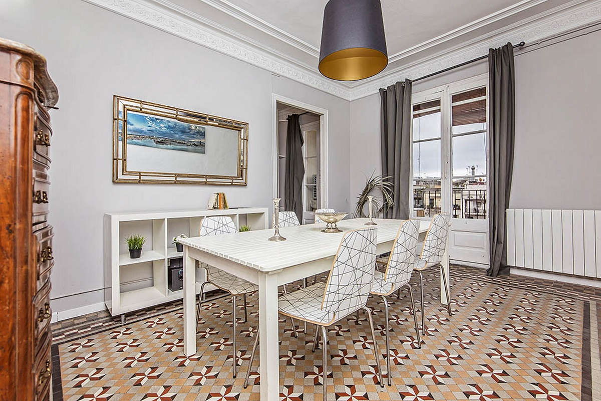 Dining table at  Aragon Apartment - Citybase Apartments